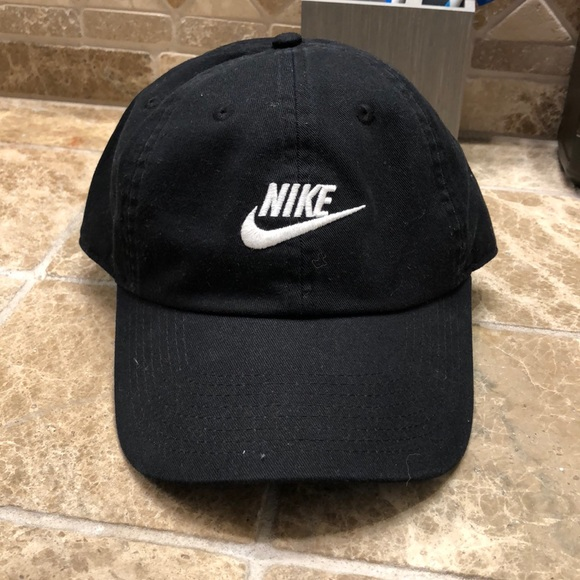 815f7a2c662 Nike Dad Hat. M 5b766afc2aa96a3f05276ddc. Other Accessories ...